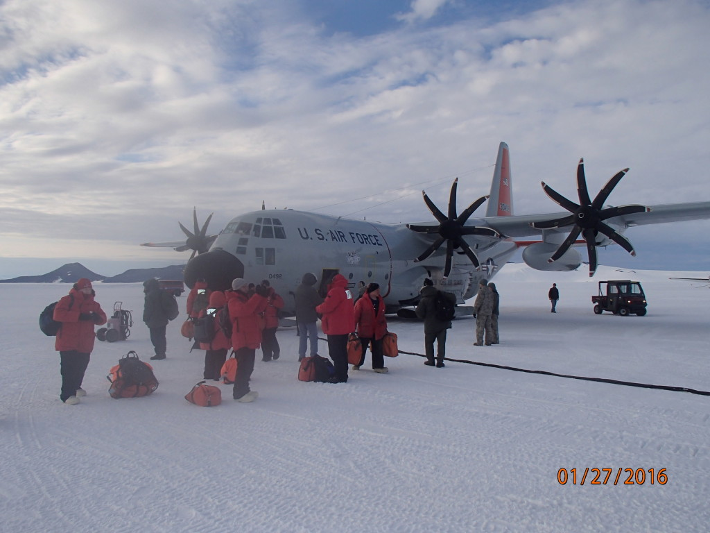 8 bladed props on the LC-130 from the South Pole