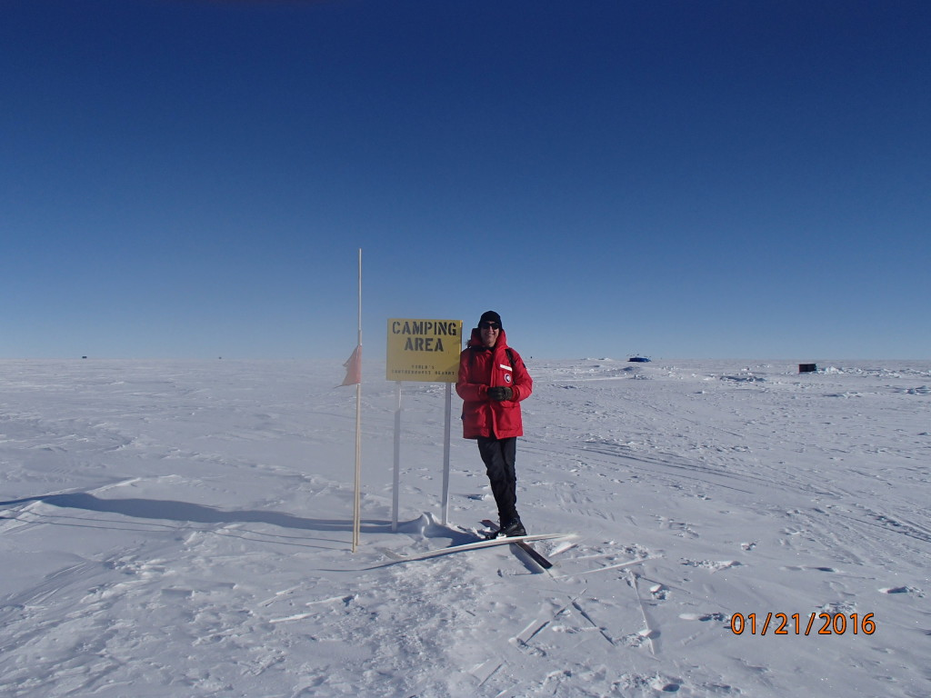 Camping spot at the South Pole !