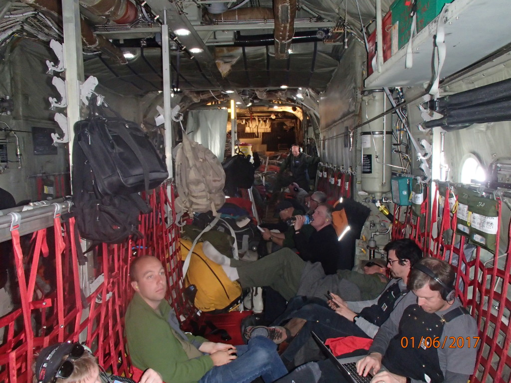 L C-130 cargo flight to McMurdo